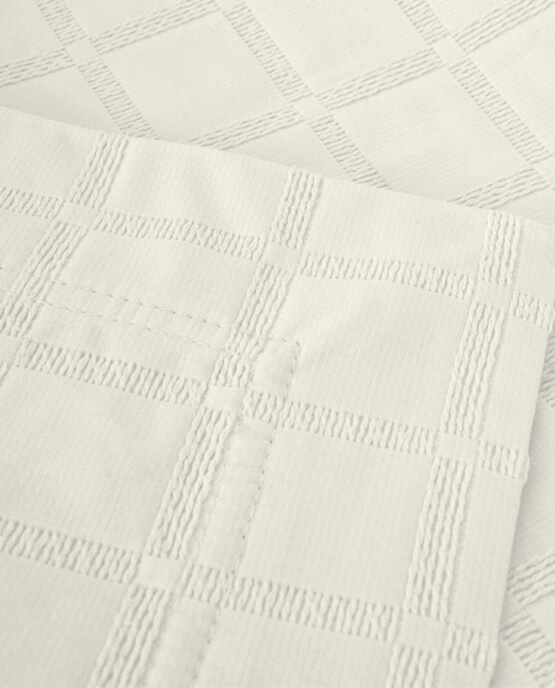 Detail Bed Runner Affinity Ivory - MIA ZARROCCO by AMR Home Textiles