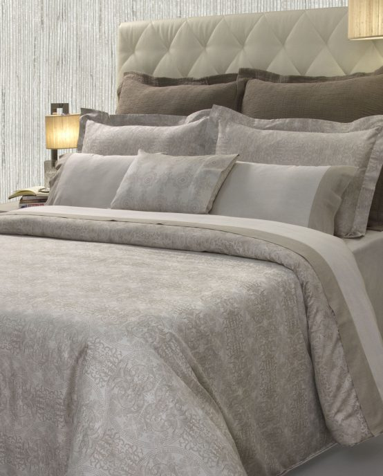Duvet Cover and Oxford Pillowcases Symphonie - MIA ZARROCCO by AMR Home Textiles